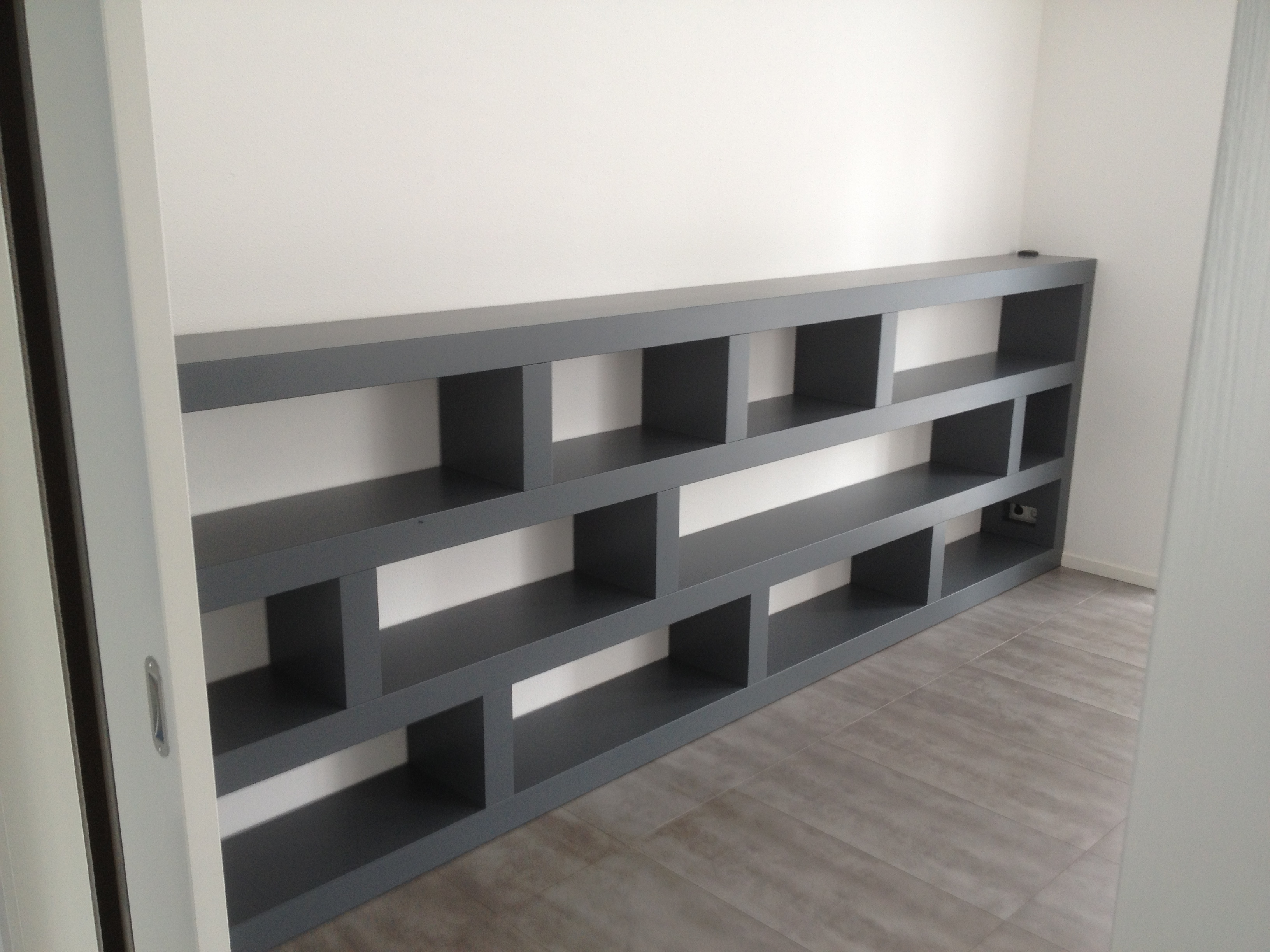 https://www.meubelmakerijmark.nl/wp-content/uploads/2016/10/Meubelmakerij-Mark-boekenkast-4-meter2.jpg